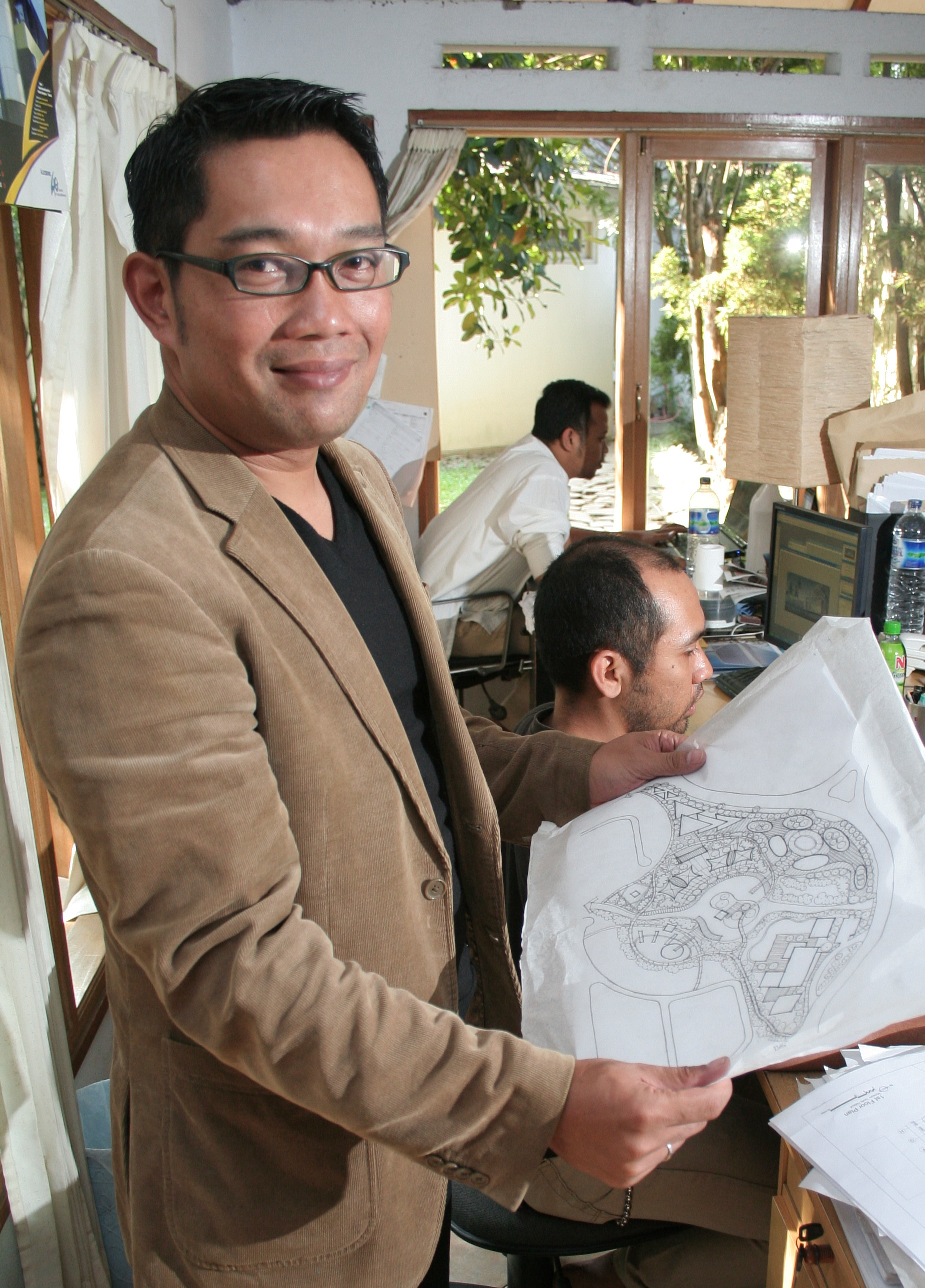 Shuttle Bike, Green Box & Creative Center: Impian Ridwan