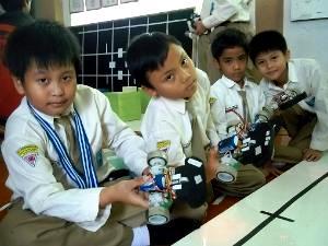 siswa sd muhammadiyah 4 SBY di indonesiaproud wordpress com
