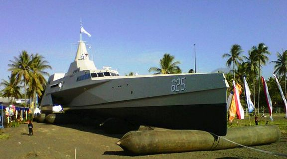 KRI Klewang Trimaran di indonesiaproud wordpress com