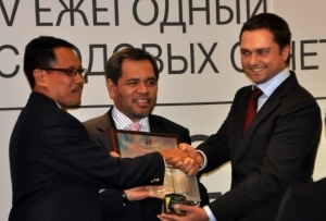 garuda indonesia raih best annual report di indonesiaproud wordpress com