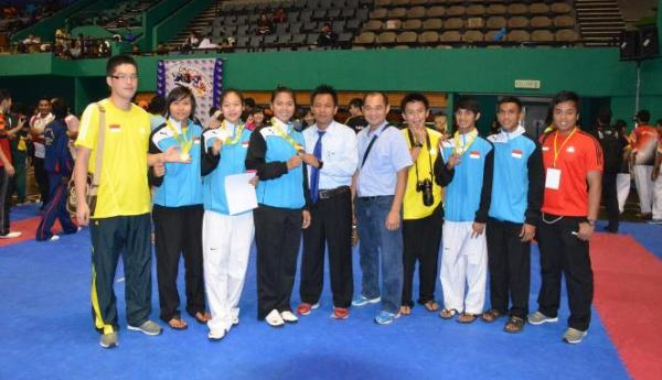 Tim taekwondo indonesia rebut 4 emas malaysia classic VII 2013 di indonesiaproud wordpress com