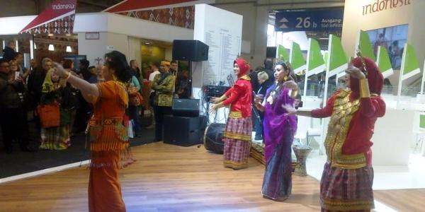 tari galenyek ITB Berlin 2014 di indonesiaproud wordpress com
