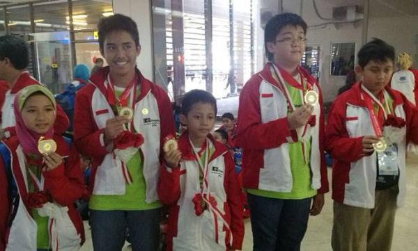 pelajar RI raih emas olimpiade matematika di indonesiaproud wordpress com