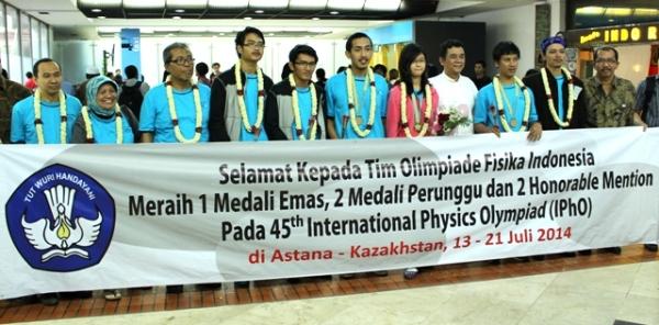 peraih medali ipho 2014 di indonesiaproud wordpress com