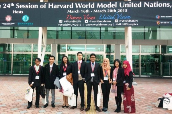 Delegasi-UI-for-Harvard-World-Model-UN-2015-di indonesiaproud wordpress com