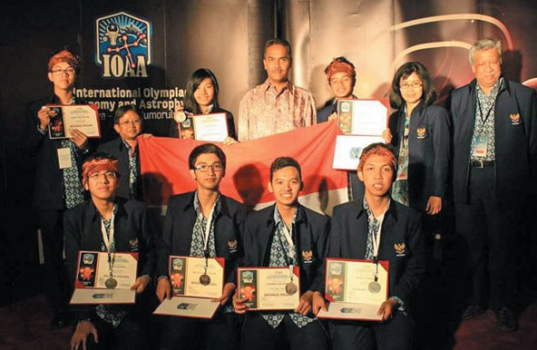tim IOAA 2015 di indonesiaproud wordpress com